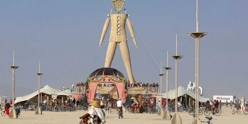 фестиваль в Америке в пустыне